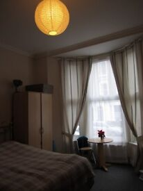 1 bedroom flat for a single person in Putney
