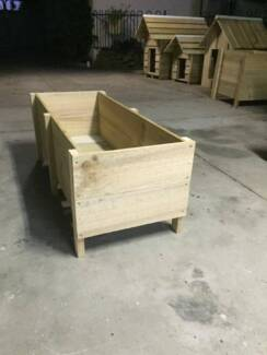 large planter box Tullamarine Hume Area Preview