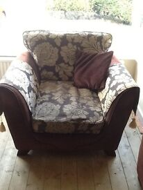 4 piece suite - 3 seater settee, armchair, cuddle chair, footstool