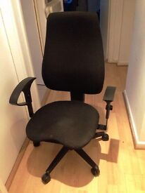 FREE Office Chair (damaged arm rest)