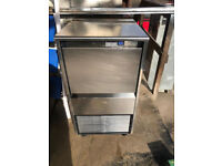 Labcold ITV- IQ85C Ice Flake Maker Self-Contained , 20Kg Bin Capacity, 90Kg Daily Production