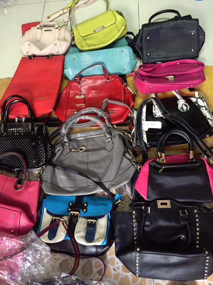 Second Hand Mixed Handbags Whol In Quany Uk Image 1 Of 9