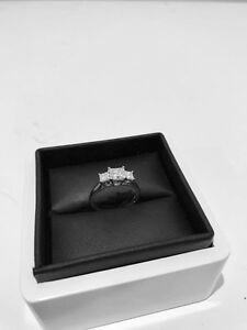 Ladies Engagement ring, Beautiful diamonds Griffin Pine Rivers Area Preview