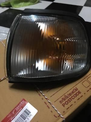 DATSUN NISSAN  SUNNY B13 TSUBU-III CORNER LAMP LIGHT Genuine Nos japan LH SIDE