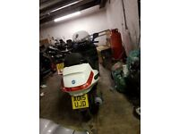Piaggio xevo 125cc sport come with 2 key and 1 year mot