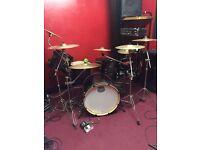 Mapex armoury drum kit