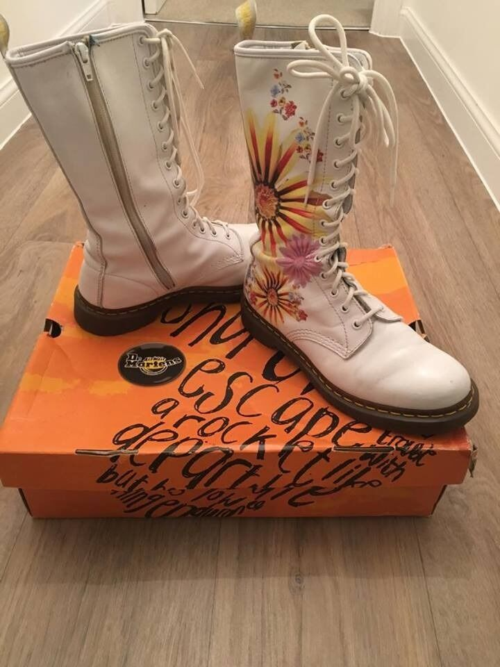 Dr doc martens white floral boots size 7 flower burst with box dr doc martens white floral boots size 7 flower burst with box mightylinksfo