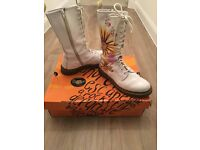 Dr Doc Martens White Floral Boots Size 7 FLOWER BURST (with box)