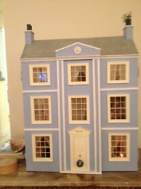 Lovely Georgian Dolls house , many accessoires and lighting