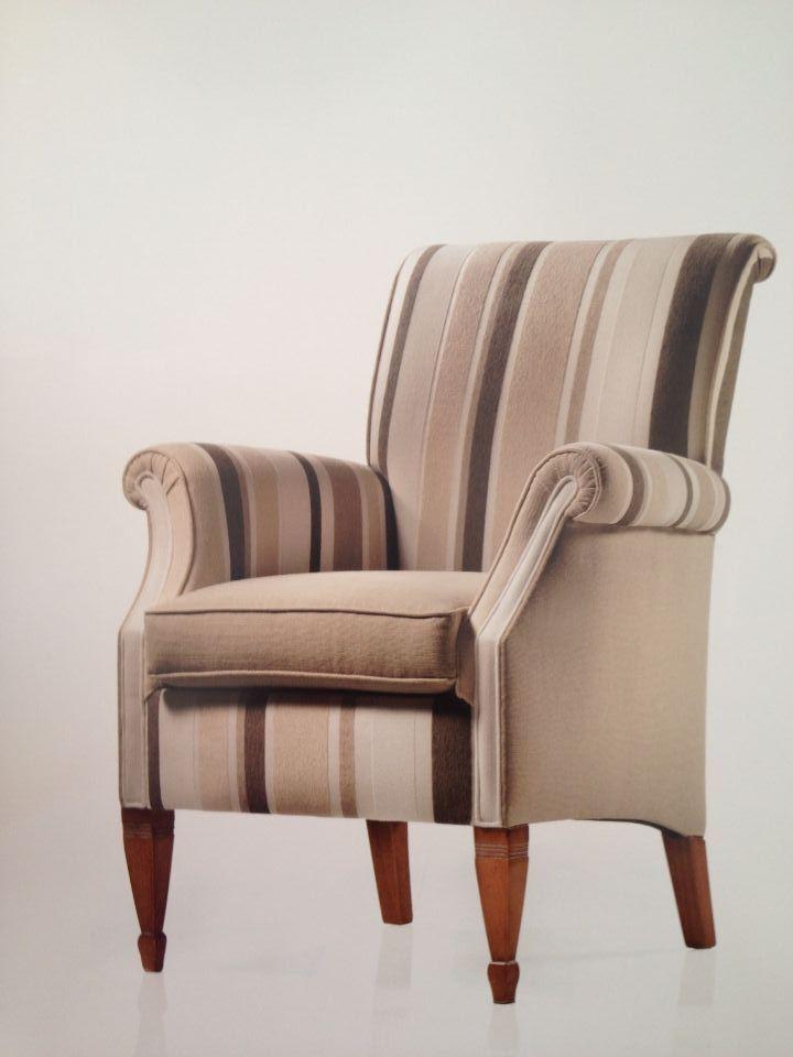 Poltrona sedia imbottita salotto classica vari colori for Colori salotto