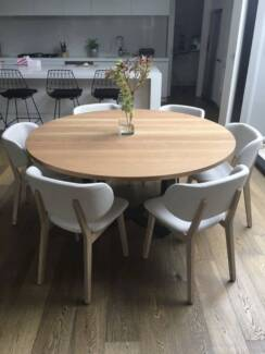 Round Dining Table American Oak
