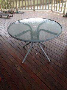 Free Outdoor Table Waratah Newcastle Area Preview