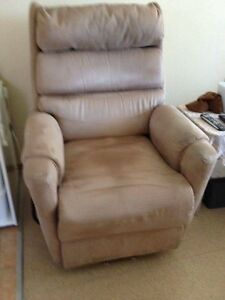 Electric recliner chair with built in USB phone charger port Gilles Plains Port Adelaide Area Preview