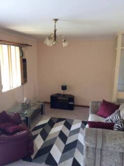 Furnished 2x1 apartment in Inglewood w/ under cover parking