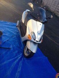 Yamaha DT /Majesty125cc 2001