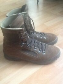 Meindl Desert Boots size 10 MOD Brown