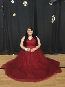 RED PROM DRESS ONLY WORN ONCE
