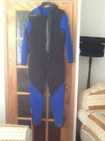 Hydro tech semi dry double lined 7mm one piece wetsuit