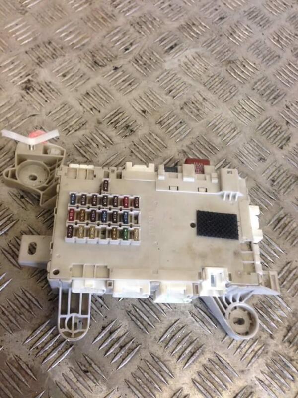 2002 LEXUS LS 430 LS430 SALOON FUSEBOX FUSE BOX 82730-50090