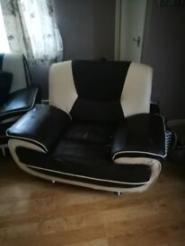 5 seater settee and chair for sale brown and cream