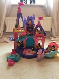 Fisher Price Little People Disney Princess Castle, 12 Dolls & Mermaid Carriage