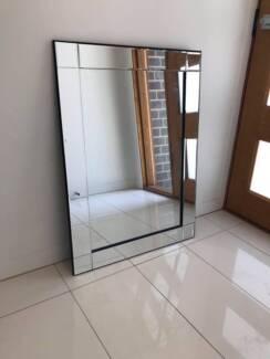 1x Square and 1x Circle Mirrors
