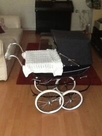 Silver cross doll,s pram excellent condition