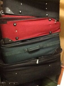 """New&used travel bags(suitcases -20,28,32""""), Roots, Bugatti"""