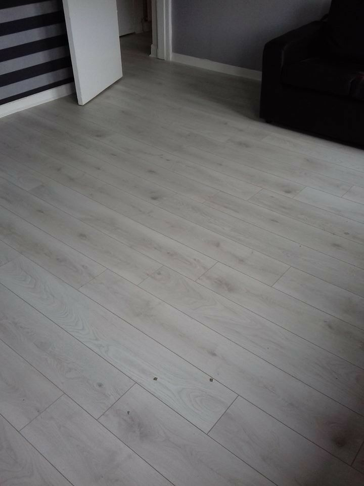 10mm White Oak Laminate Flooring Fully Fitted 5x4 20m2 400 In