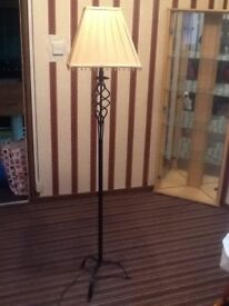 Stand up lamp with shade