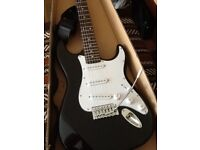 STRATOCASTER STYLE ELECTRIC GUITAR AND ACCESSORIES