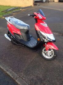BRAND NEW SUZUKI AN 125 MOPED SCOOTER RED 2017
