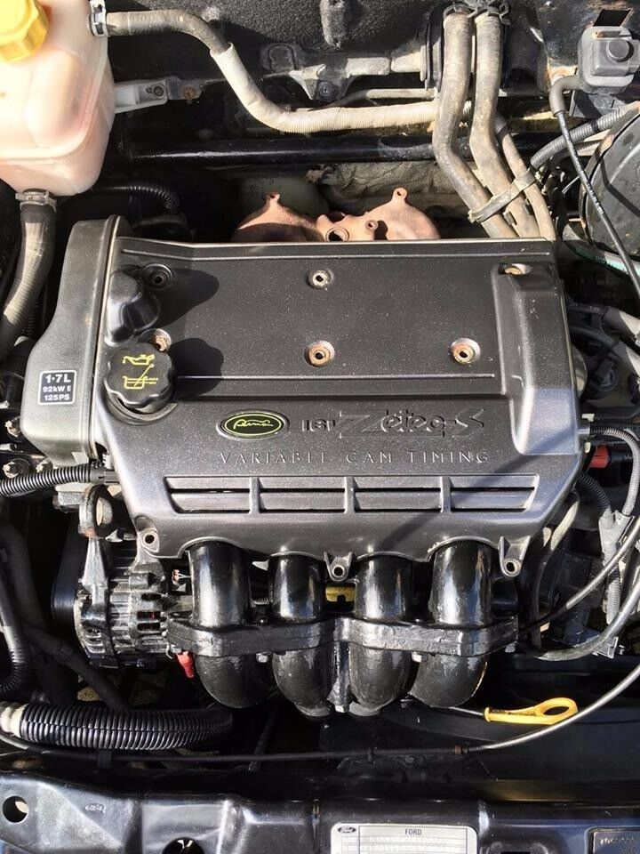 Ford Puma 1.7 Top Engine Cover