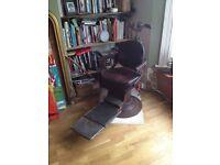 Retro Hydrolic Dentists Chair (Steam Punk Style - Victorian))