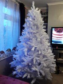 Brand New White 7ft Christmas Tree Massive Tree Bargain Price Buy Now