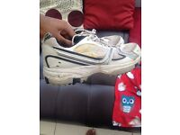 Mens boom boom cricket shoes size 8