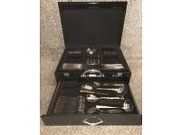 **MOTHERS DAY*** 72PC 24ct GOLD PLATED CUTLERY SUITE WITH STUNNING PIANO BLACK CASE