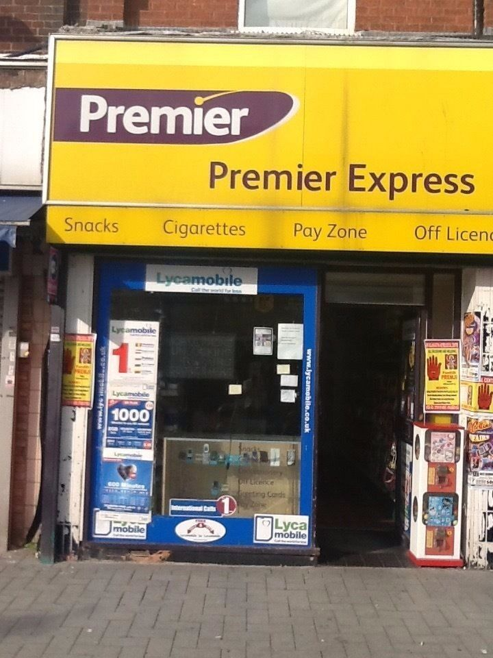 Off licence Shop for sale in town centre for £15,000