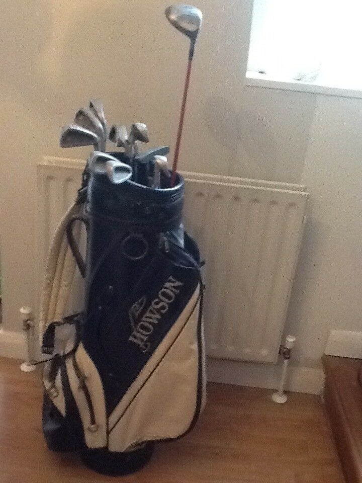 Set of ten clubs, with bag, suitable for beginner