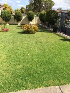 SPACIOUS ROOM FOR LEASE SHORT WALK TO CABRAMATTA STATION & SHOPS