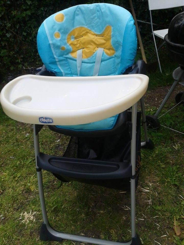 chicco high chair in wembley london gumtree. Black Bedroom Furniture Sets. Home Design Ideas