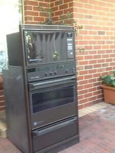 Westinghouse Silhouette Series Electric Oven/Grill/Micro (3 in 1) Willetton Canning Area Preview