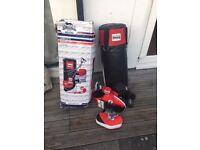 Punch Bag Set - Boxing gloves, bracket training pads