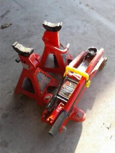 2 Ton Jack with 2 stands