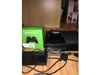 XBOX ONE CONSOLE OFFICIAL POWER CABLE HDMI TO HDMI LEAD AND CONTROLLER INCLUDED