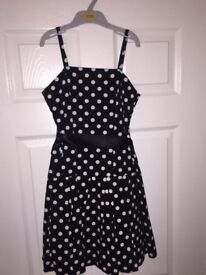 Polka dot girls dress age 9-10 years