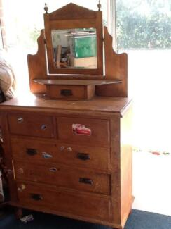 Pine duchess dressing table Forrestdale Armadale Area Preview