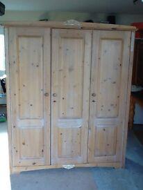 Pine 3 door wardrobe
