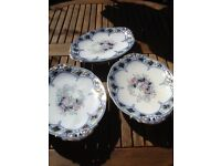STUNNING CAKE STANDS X 3 AND 4 MATCHING SERVING PLATES