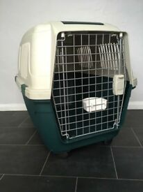 Pet transport crate. IATA approved.
